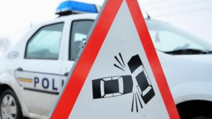 Accident grav în Ialomiţa: 3 tineri răniţi, a intervenit elicopterul SMURD