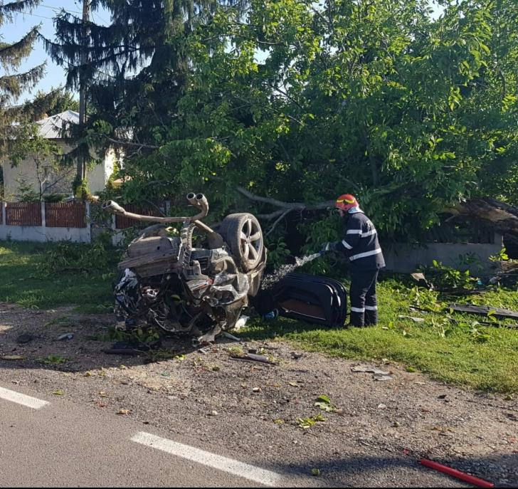 Accident teribil pe DN 7, la Gura Foii. Două persoane au decedat