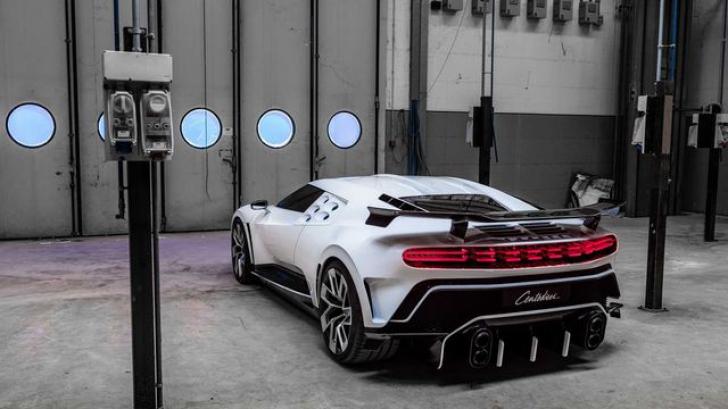 FOTO&VIDEO Bugatti, un nou record! Cea mai puternică mașină de serie
