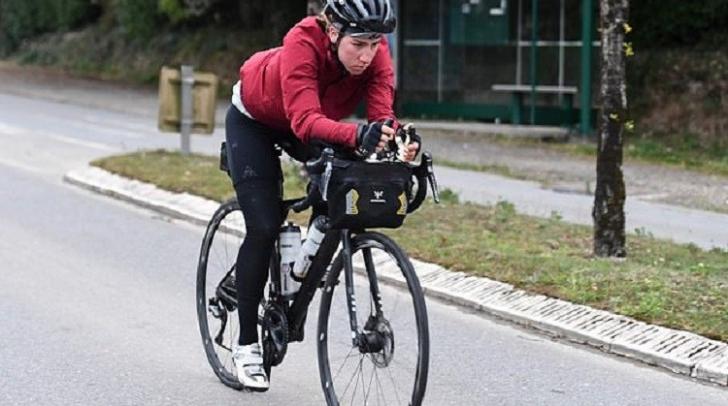 O femeie a învins 200 de bărbaţi şi a câştigat cursa Transcontinentală