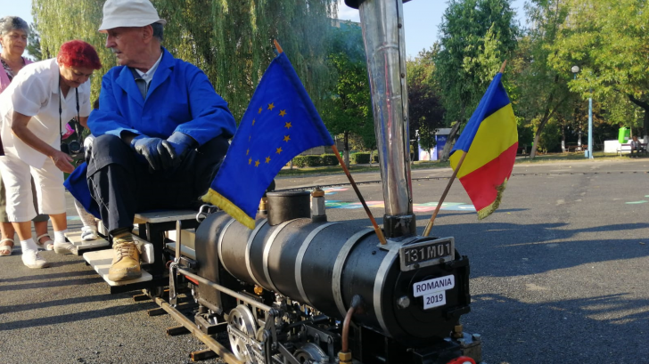 O locomotivă unică în Europa a fost văzută la Petroşani