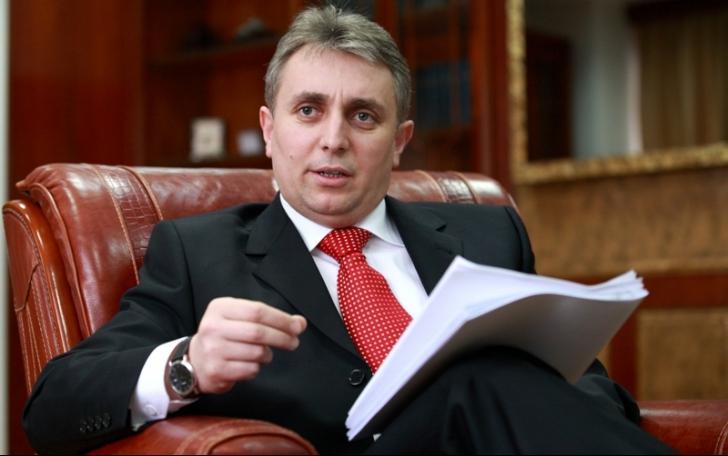 Ministrul Transporturilor, Lucian Bode, rănit într-un accident rutier