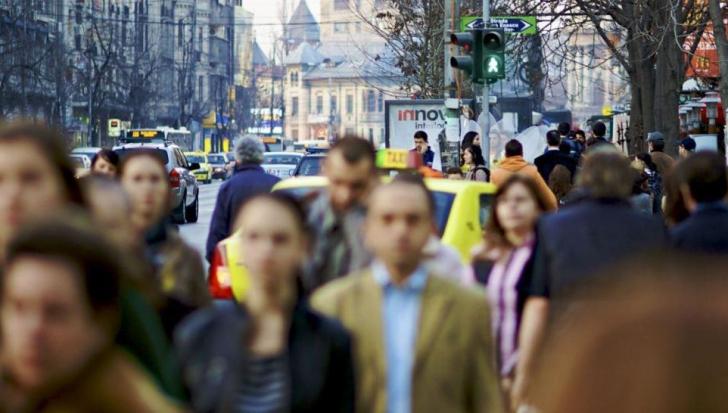 Aproape un sfert de milion de români au ales să părăsească țara anul trecut