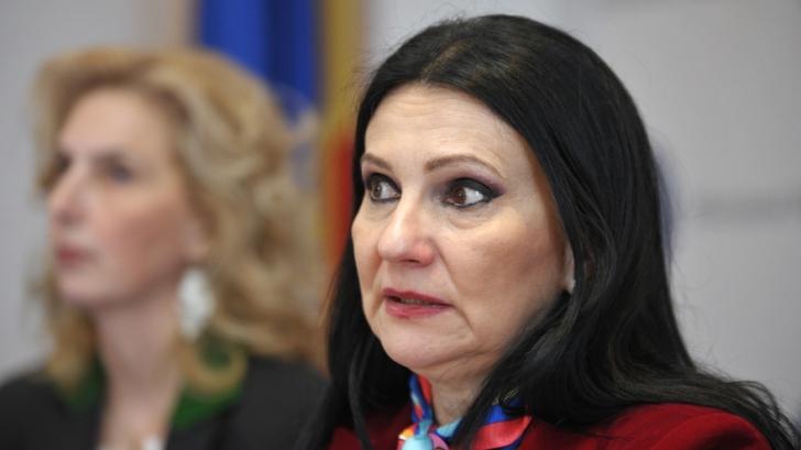 Sorina Pintea a fost REȚINUTĂ! Fostul ministru al Sănătăţii va sta 24 de ore după gratii