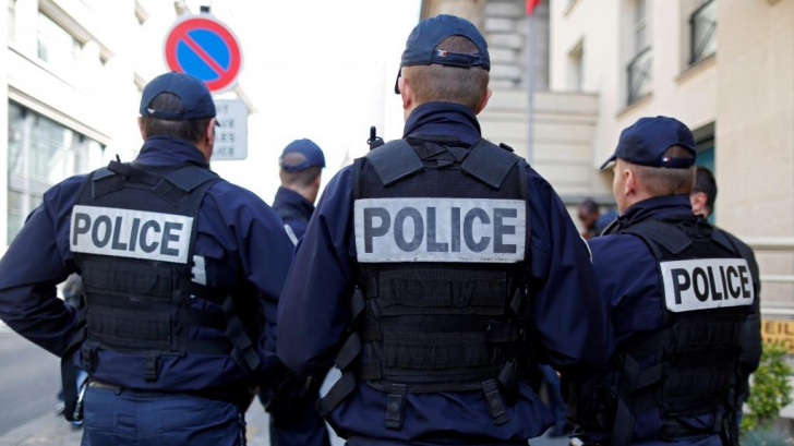 Franța mai face un pas în ancheta privind decapitarea din Paris. Se anunță măsuri DURE pentru extremiștii străini