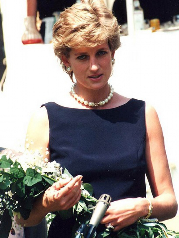 Moartea Prințesei Diana, 22 de ani.Misterul celor 4 minute LIPSĂ.Ce s-a întâmplat înaintea tragediei