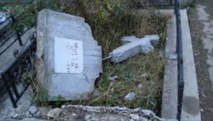 Morminte profanate în Teleorman!
