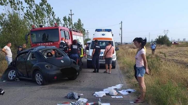 Accident cumplit, în Argeș: um mort, după ce mașina s-a răsturnat