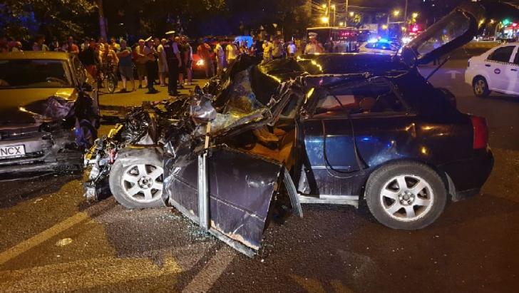 Accident grav în Timișoara. Trei autoturisme implicate şi doi răniţi spitalizaţi