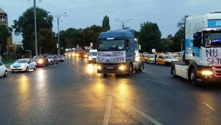 """Transportatorii rutieri amenință: """"Mențineți legislația actuală sau ieșim în stradă!"""""""