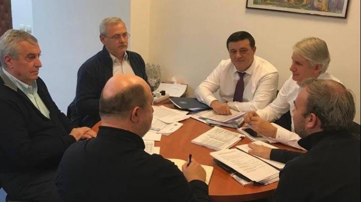 În ianuarie 2019, Liviu Dragnea a publicat o imagine în care apărea la aceeași masă cu Teodorovici, Tăriceanu, Chițoiu și Vâlcov, susținând că acolo se discută cifrele bugetului pe 2019