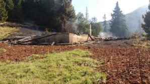 Cabana Urlea, arsă din temelii