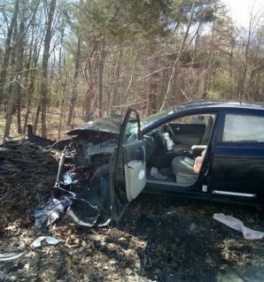 A sfidat moartea, într-un accident oribil! Polițiștii,șocați de ce au găsit acolo: ce făcea șoferița