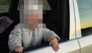 Un copil de 2 ani și-a UCIS mama, în mașină. Detaliul care i-a șocat pe polițiști