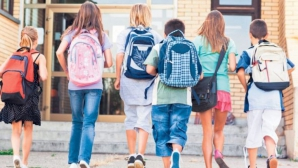 Atacati cu spray lacrimogen în primele zile de școală