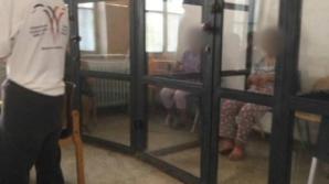 Oameni cu dizabilităţi, ţinuţi în cuşti sau legaţi de paturi, la Spitalul din Sighetu Marmaţiei