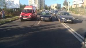 Accident grav, la Cluj. Adolescentă care încerca să salveze o pisică, lovită de maşină