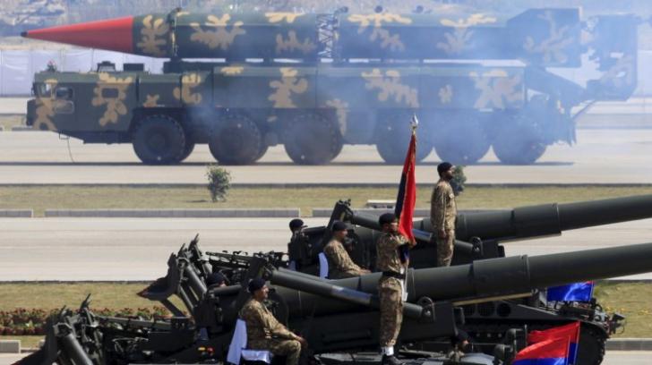 """""""Va fi o baie de sânge"""". Pakistanul vorbește despre un posibil război nuclear cu India"""