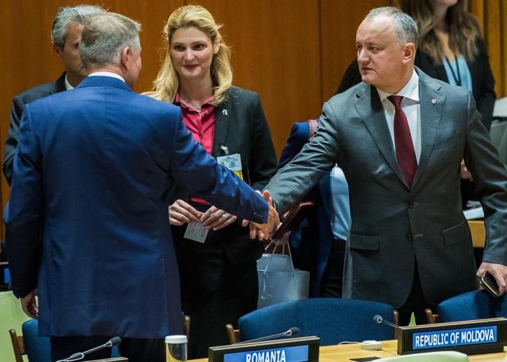 Iohannis s-a întâlnit cu Igor Dodon în SUA și i-a cerut să evite federalizarea Moldovei