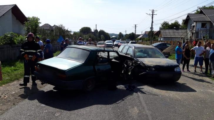 Accident cu 5 victime, în jud. Suceava: impact devastator