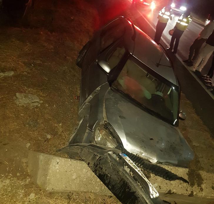 Accident cumplit în Olt: O mamă şi cei doi copii ai săi, răniți