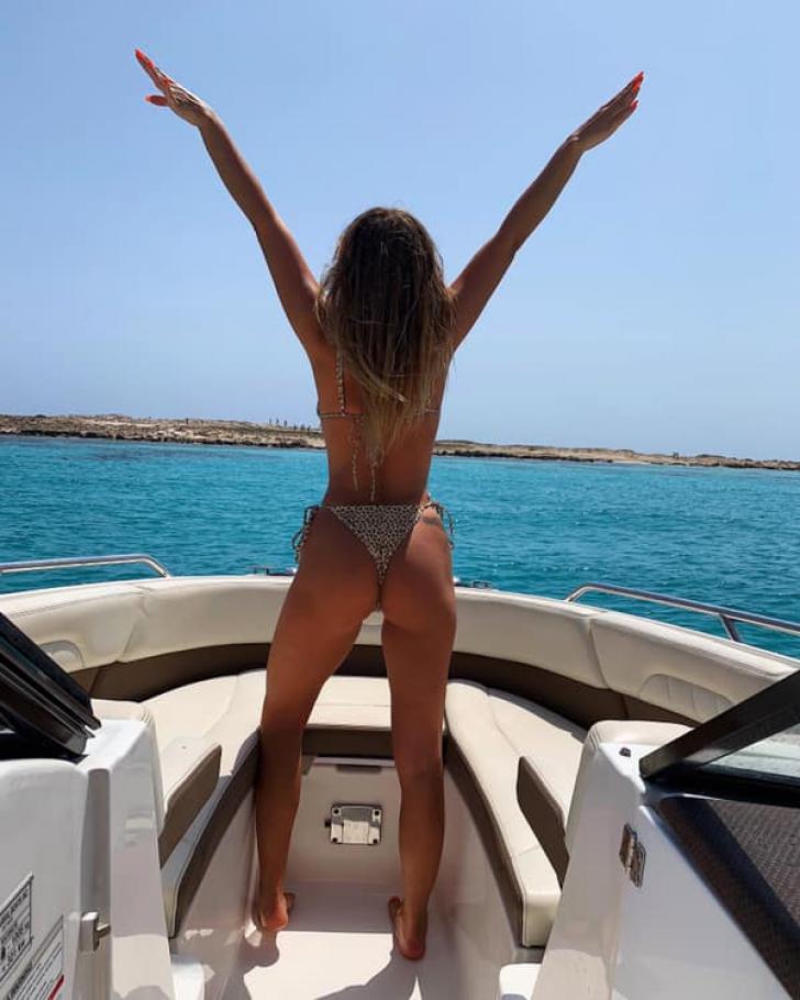 Alexandra Stan, tot mai sexy FOTO