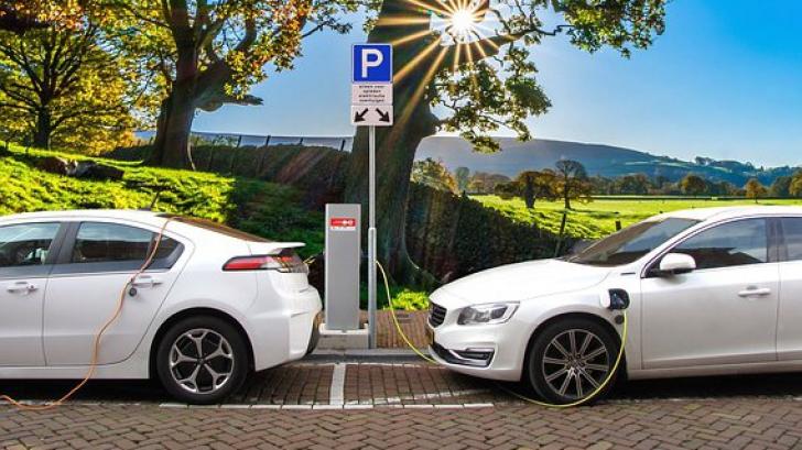 Mașinile diesel și pe benzină ar putea fi interzise în UE, din 2035. Foto/arhivă