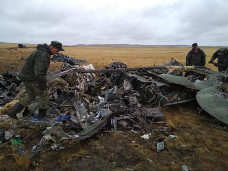 Incident jenant al armatei ruse. VIDEO: Două blindate cad din avion și se zdrobesc de sol