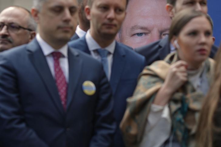 """Iohannis și-a depus candidatura: """"Fără mine PSD-ul ar fi reușit să distrugă justiția"""""""