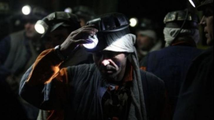 Minerii își cer în stradă drepturile