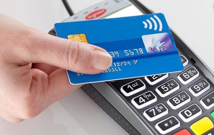Noile reguli privind plata cu cardul au intrat în vigoare. Ce trebuie să ştie românii