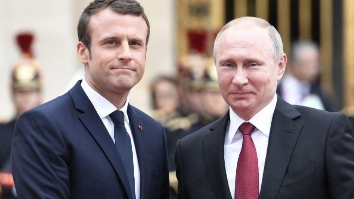 Macron a confirmat că se duce în Rusia