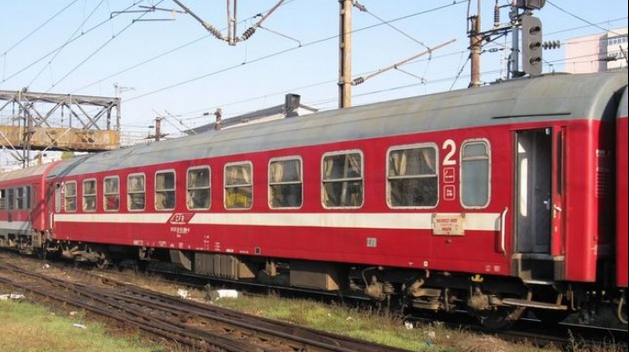 Panică la Cluj! Locomotiva unui tren cu pasageri a luat foc