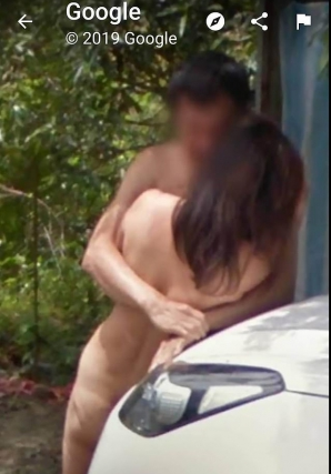 Nuditate pe Google Street View