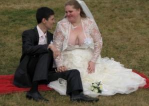 Credeau că nunta a fost perfectă. Când au văzut pozele, au înlemnit! Ce se petrecuse, de fapt, acolo