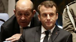 Ministrul francez de ExterneJean-Yves Le Drian, alături de Emmanuel Macron
