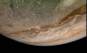 Jupiter văzută de aproape