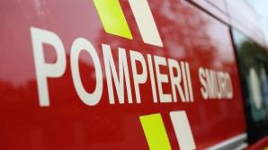 Incendiu într-un bloc din Capitală: două victime. Locatarii, evacuați