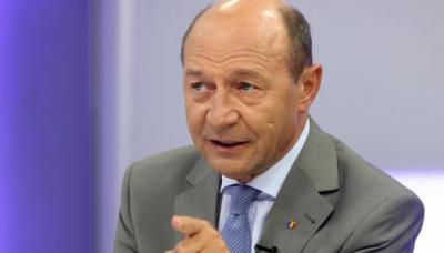 """Băsescu: """"Ponta, Tăriceanu, Hunor, liotă de profitori, fac ce știu mai bine, șantaj"""""""