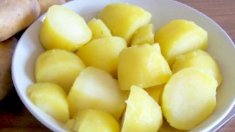 Dieta rapida cu cartofi fierti: slabesti 5 kg in patru zile