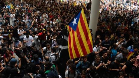 MAE: Atenționare de călătorie în Spania din cauza protestelor din Barcelona