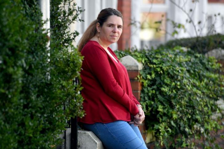 Catherine Blackmore suferă de mascofobie