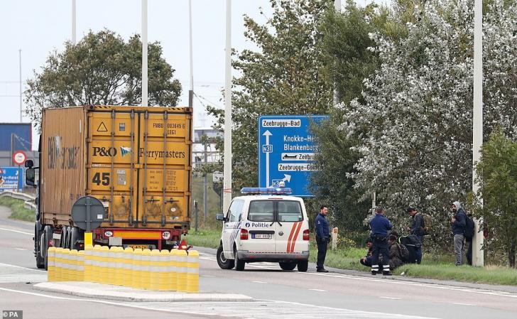 Migranți găsiți în camionul frigorific