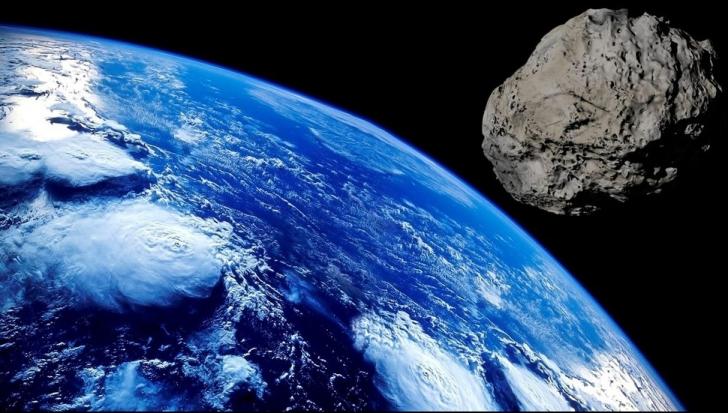 Asteroid ucigaș, la un pas de Pământ
