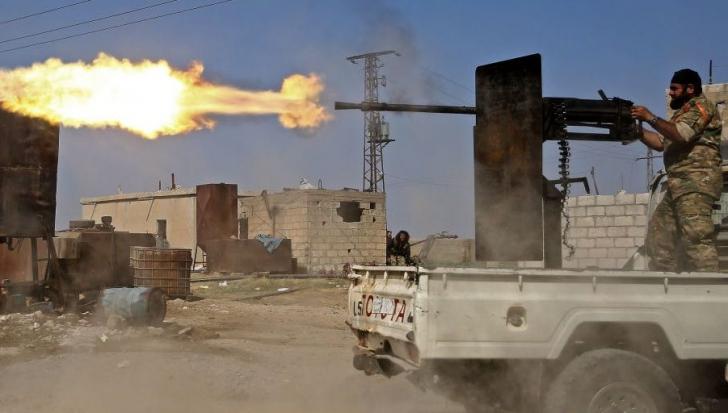 Părăsiți de SUA, kurzii din Siria s-au aliat cu Assad în fața asaltului Turciei