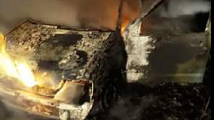 Un autoturism a explodat pe un drum din județul Giurgiu