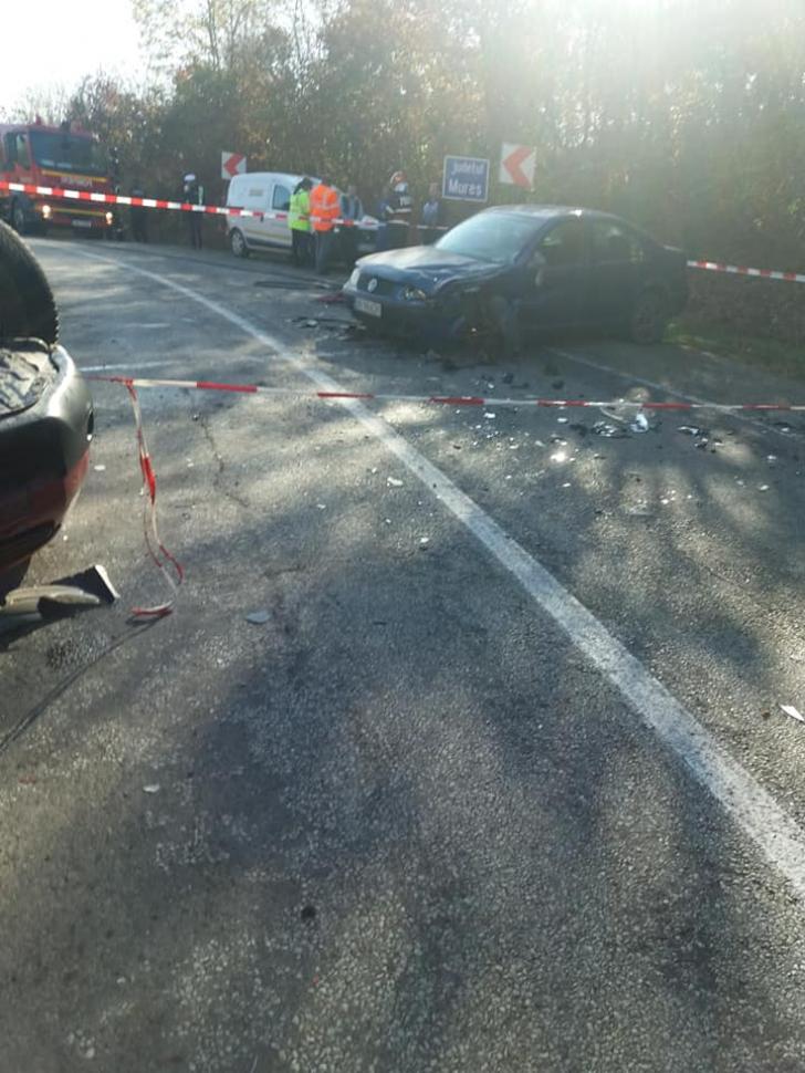 <p>Accident grav, în jud. Cluj: 3 victime, după impactul dintre 3 mașini</p>