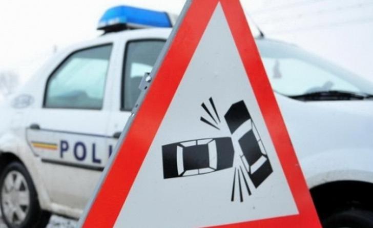 Accident pe DN 64 în Vâlcea. Opt persoane au fost rănite