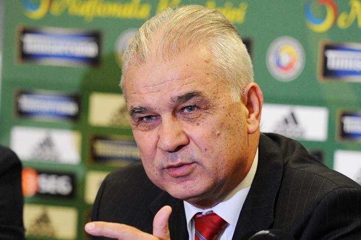 """Anghel Iordănescu, refuzat la tribuna oficială de la """"Anghel Iordănescu""""?"""
