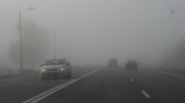 Cod galben de ceață! Vizibilitatea scade sub 50 de metri, în unele zone